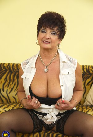 Older Women Tits Pictures
