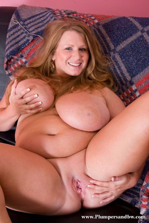 Busty Milf Pussy Pictures