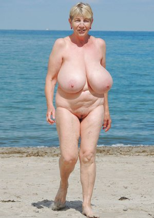 Beach Big Tits Pictures