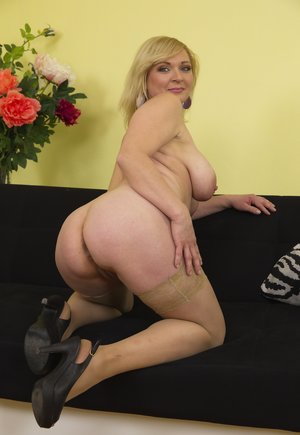 Mature Ass Tits Pictures